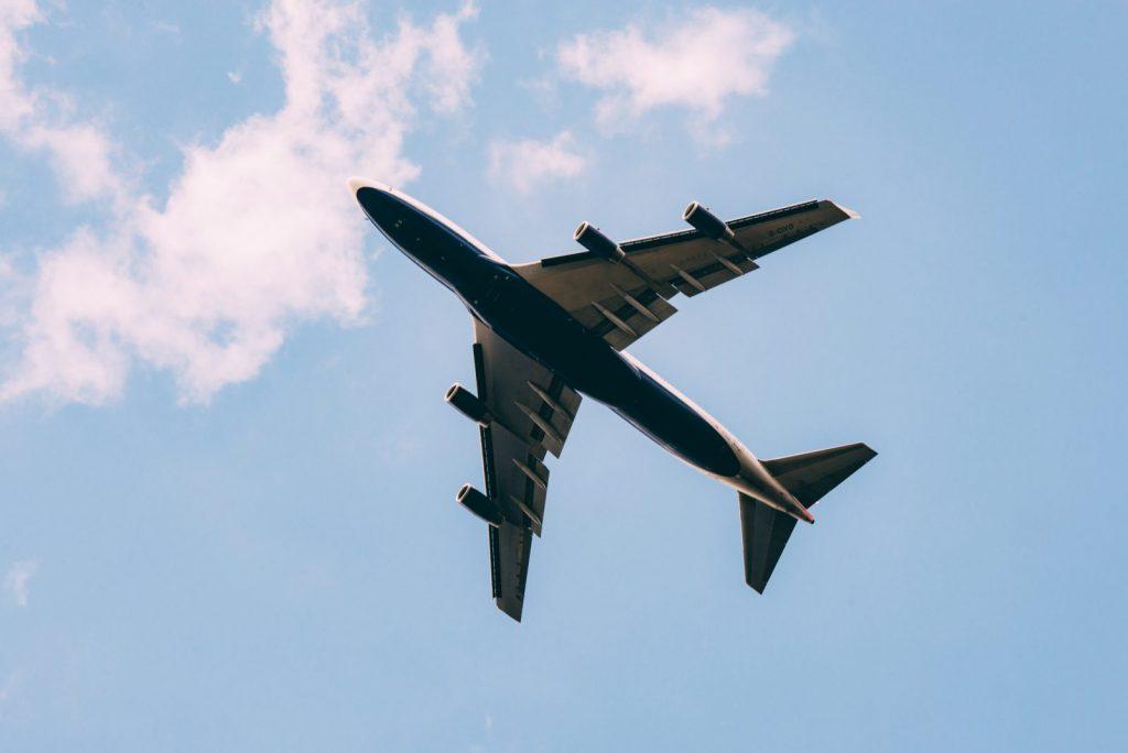 Jak kupować tanie bilety lotnicze