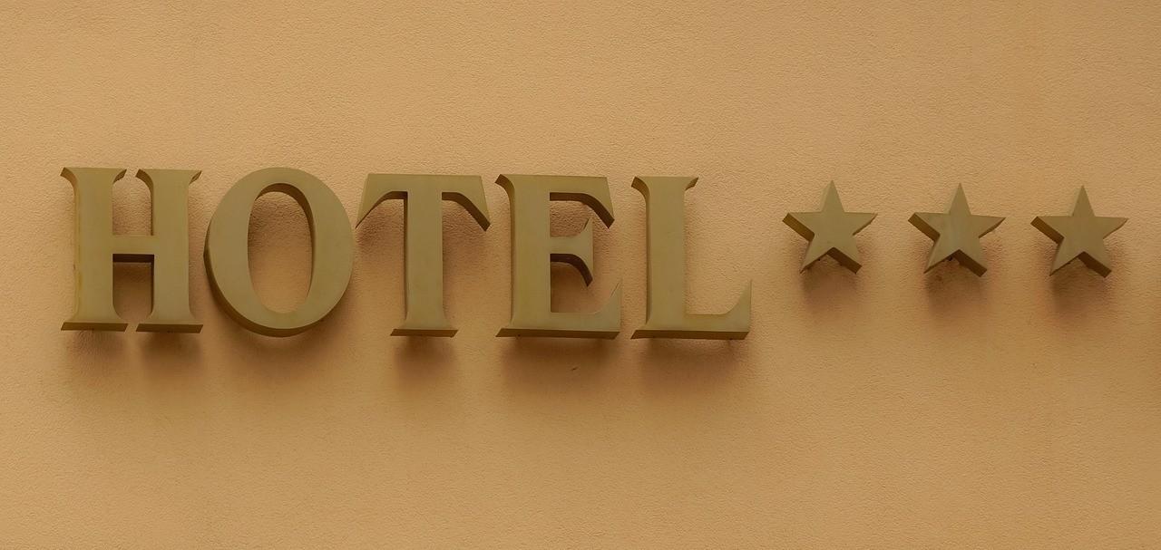 Od czego zależy ilość gwiazek, jakie posiada hotel? Sprawdź! 2021